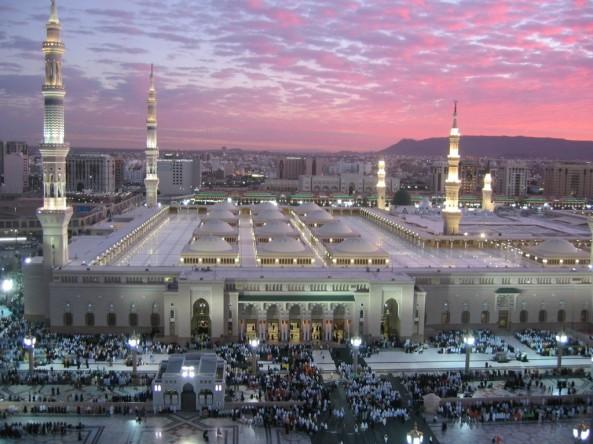 அழகிய பள்ளிவாயல்கள் (MASJID WALLPAPER) Islamic-wallpaper_masjid-e-nabwi_3