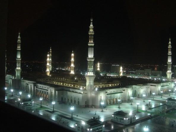 அழகிய பள்ளிவாயல்கள் (MASJID WALLPAPER) Islamic-wallpaper_masjid-e-nabwi_5