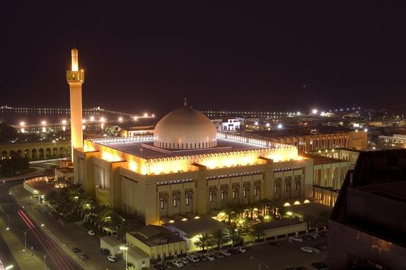 அழகிய பள்ளிவாயல்கள் (MASJID WALLPAPER) Islamic-wallpaper_masjid-wallpaper_4_masjid-al-kabir-in-kuwait-night1