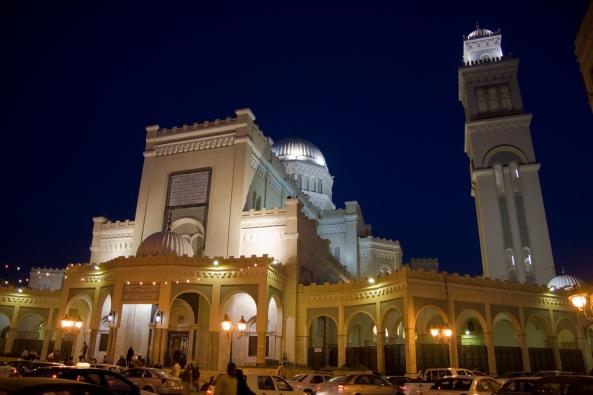 அழகிய பள்ளிவாயல்கள் (MASJID WALLPAPER) - Page 2 Islamic-wallpaper_masjid-wallpaper_maidan-al-jazair-mosque-in-tripoli-libya