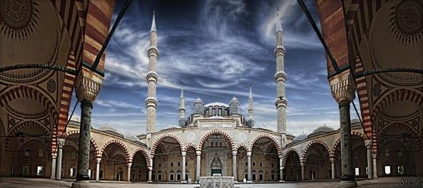 அழகிய பள்ளிவாயல்கள் (MASJID WALLPAPER) - Page 2 Islamic-wallpaper_masjid-wallpaper_selimiye-mosque-in-edirne-turkey-panorama